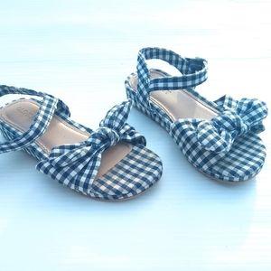 OLD NAVY • girls mini wedge blue gingham sandals